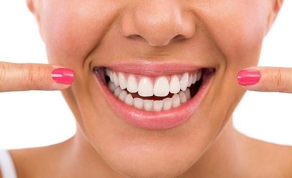 ایمپلنت دندانی برای بزرگسالان