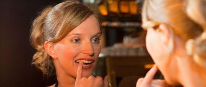 چرا بعد از بلیچینگ دندان، حساسیت دندان ایجاد میشود؟